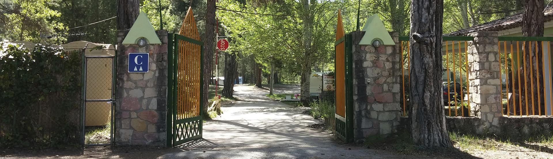 entrada-camping-ladehesa-cañamares